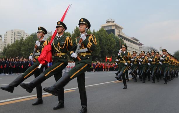 太阳城注册网址太阳城集团网址省举行庆祝中华人民共和国成立70周年升国旗仪式