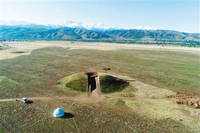 陕西省考古研究院在哈萨克斯坦考古又有新发现.jpg