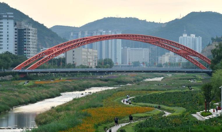 延安市河道综合治理建设绿色家园.jpg