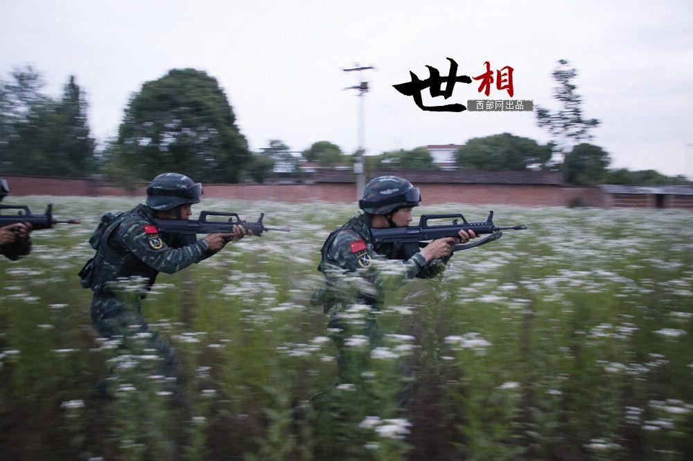 世相丨军营后浪.jpeg